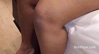 Indian Bhabhi Solo Sex HD Porn Video - DesiPapa.com