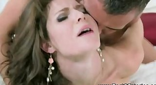 Unfaithful wife gets pussyfucked